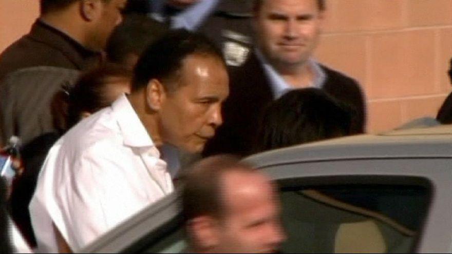 США. Мохаммед Али ведет бой с пневмонией