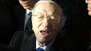 Tunus'ta cumhurbaşkanlığı seçiminde resmi olmayan sonuçlara göre zafer Sibsi'nin