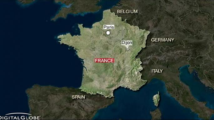 إصابة 11 شخصا في اعتداء سائق سيارة على عابرين في مدينة ديجون الفرنسية