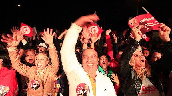 Tunisie : le camp d'Essebsi célèbre sa victoire, pas encore officielle