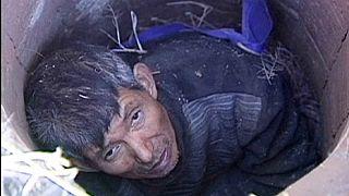 نجات مردی ۶۰ ساله از دام یک چاه در چین