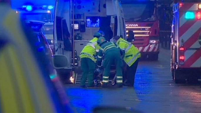 İskoçya'da kontrolünü kaybeden kamyon yayalara çarptı