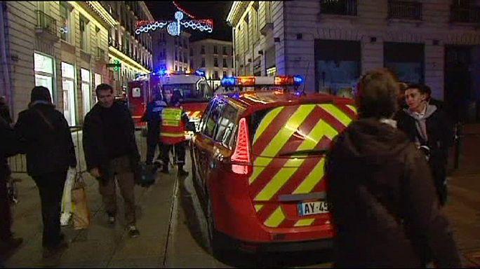 France : un conducteur lance son véhicule sur le marché de Noël de Nantes