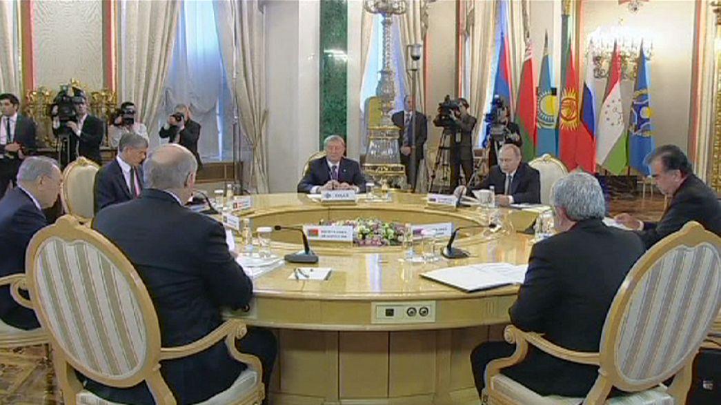 """Putin: """"Radikal örgütlerin Orta Asya'ya sızmasına engel olunmalı"""""""