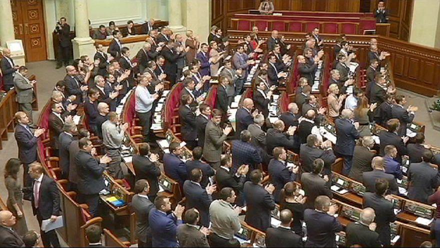 L'Ukraine renonce à son statut de pays non-aligné et se tourne vers l'OTAN