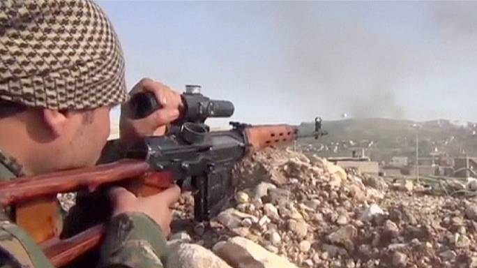Peshmerga fighters move on Sinjar town in Iraq as fierce battle with ISIL rages