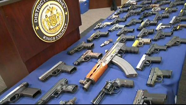 USA: Reptéri alkalmazottak csempésztek fegyvereket polgári járatokon