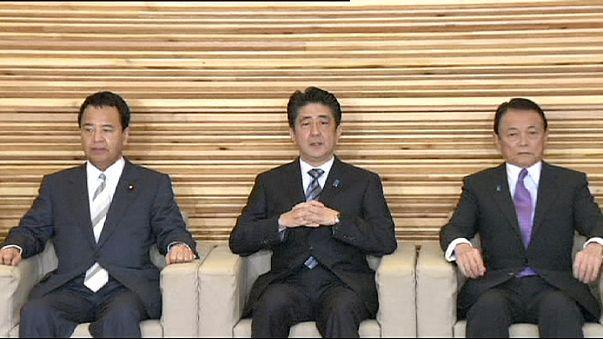 إعادة انتخاب شينزو آبي رئيسا للوزراء في اليابان