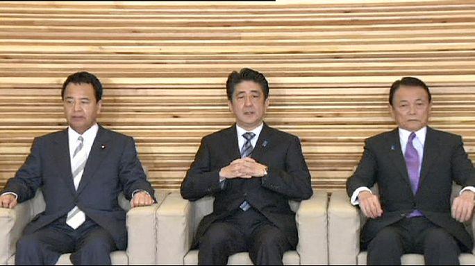 Abe ikinci kez başbakanlık koltuğuna oturdu