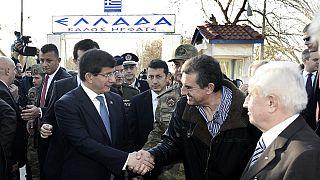 Αιφνιδιαστική επίσκεψη Νταβούτογλου στο ελληνικό φυλάκιο στις Καστανιές του Έβρου
