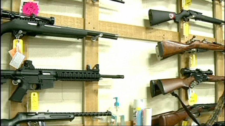 USA: le armi, un mercato fiorente soprattutto a Natale