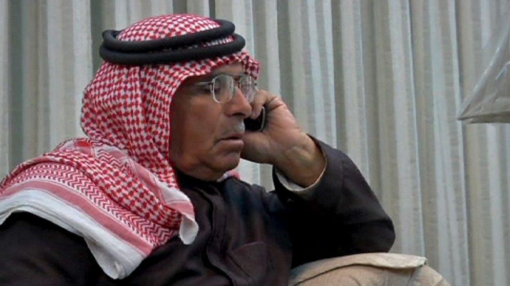 El padre del piloto capturado por los islamistas pide que le traten como a un invitado