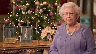Queen's Christmas speech praises Ebola doctors, calls for reconciliation