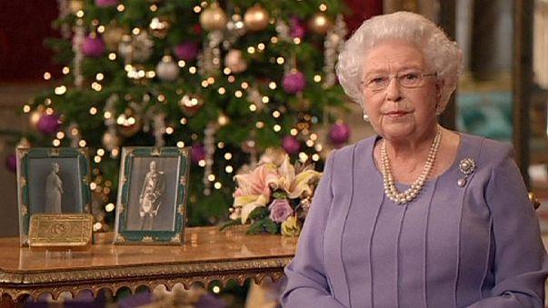La Reina Isabel II centra su mensaje navideño en la reconciliación con Escocia