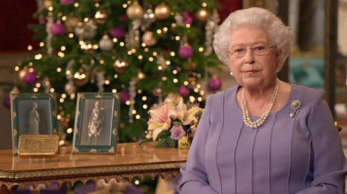 Queen's Christmas speech praises Ebola doctors, calls for reconciliation