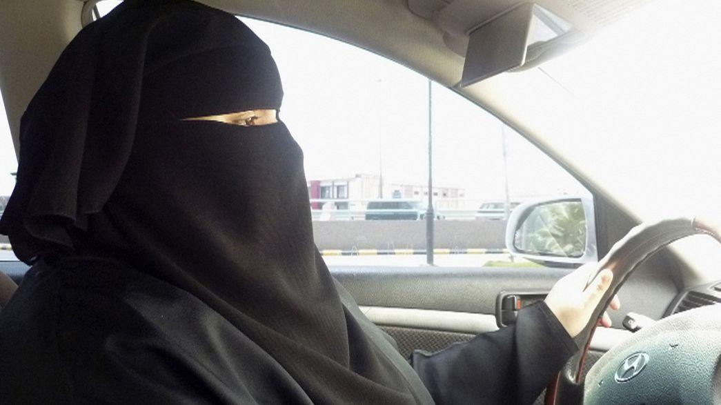 Arabia Saudita: guidano l'auto, due donne rinviate a giudizio per terrorismo