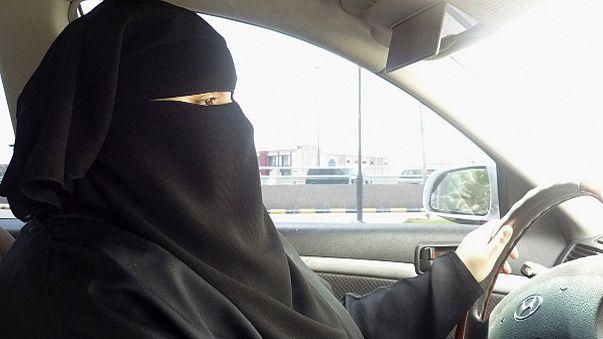 Suudi Arabistan'da araba kullanan kadına 'terörist' suçlaması
