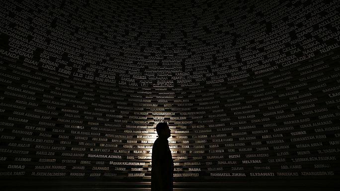 Траурные церемонии в память о жертвах разрушительного цунами