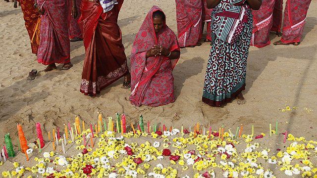 Tsunami kurbanları Hindistan'da anıldı