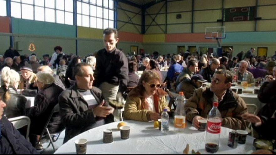 Sült pulykát osztottak az athéni ingyenkonyhán