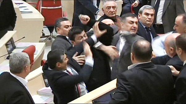 Bronca en el parlamento georgiano