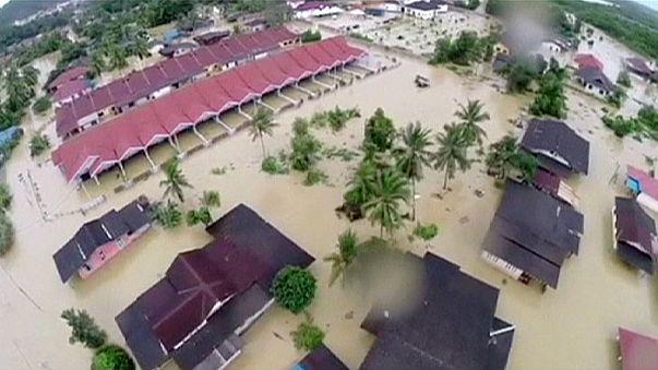 Alluvione in Malesia, più di 160 mila gli sfollati