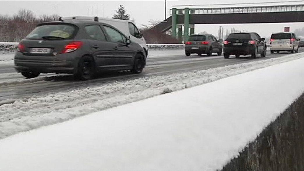 Leste de França coberto de neve