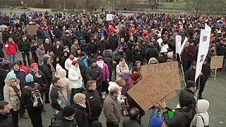 عمال يتظاهرون في سلوفينيا ضد دفع ضريبة مضاعفة