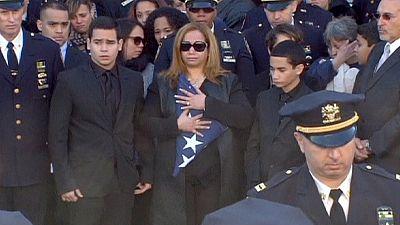 Joe Biden afirma que morte de polícias tocou a alma de toda uma Nação