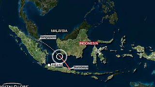 Aereo malese per Singapore scompare dai radar con oltre 160 persone a bordo