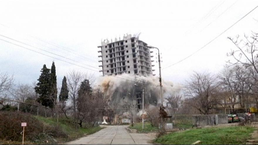 القرم: فشل هدم أحد المباني