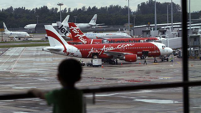 AirAsia yolcu uçağını arama çalışmalarına yeniden başlandı