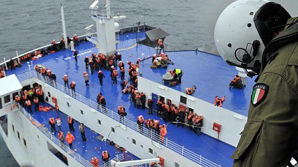 Mais de 100 pessoas retidas no ferry Norman Atlantic
