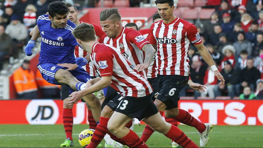 Chelsea on top, but Man City hot on their heels