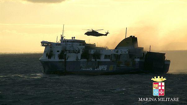 Al menos 10 muertos tras el incendio del ferry italiano