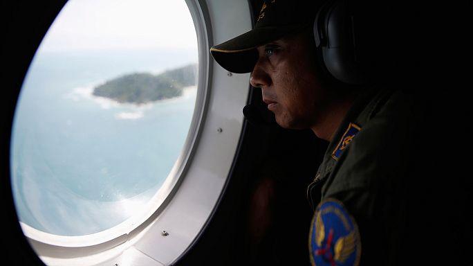العثور على حطام طائرة يطفو على سطح البحر قرب سواحل أندونيسا