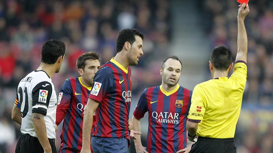 Football: FC Barcelona's transfer ban confirmed for one year