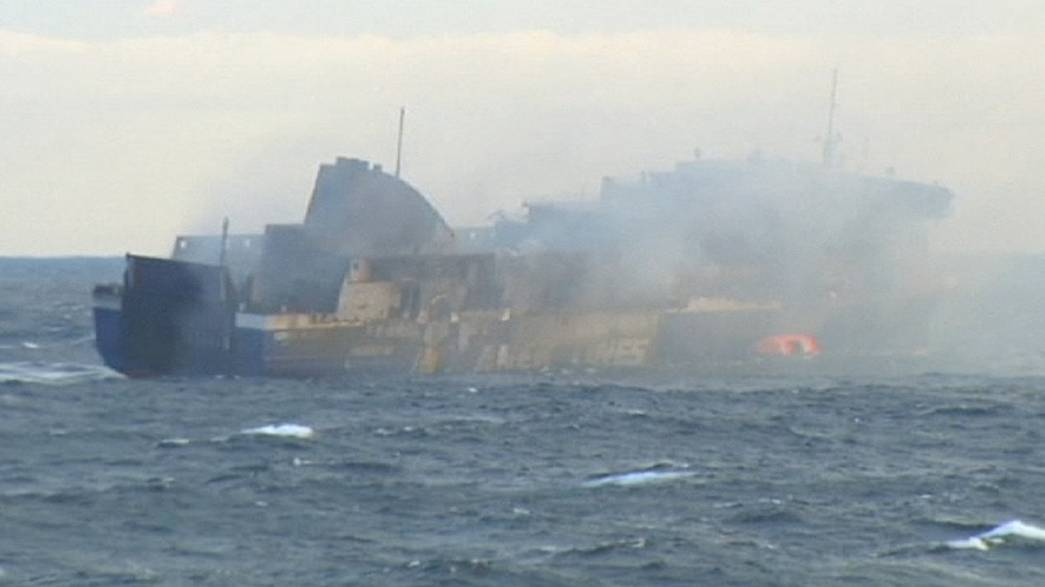 """Norman Atlantic yangınında polemik: """"30-40 kişi kayıp"""""""