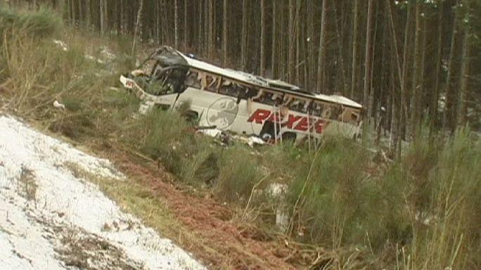 На востоке Германии перевернулся автобус: есть погибшие