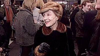 Faleceu a atriz Luise Rainer com 104 anos