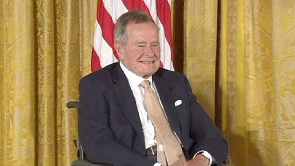 Genesung: Bush senior aus Klinik entlassen