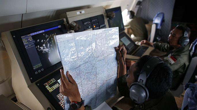 Air Asia 8501: a hanglokátor nagy sötét tárgyat jelez a Jáva-tengerben
