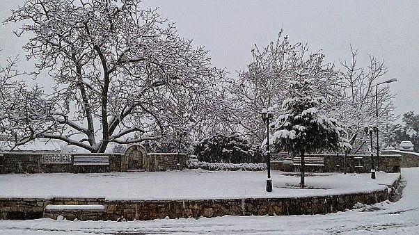Ελλάδα: Χιόνια, παγετός και θυελλώδεις άνεμοι – Αναλυτικά που υπάρχουν προβλήματα