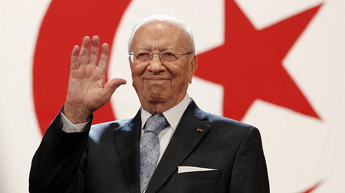 Тунис: Беджи Каид Эс-Себси - первый свободно избранный президент в истории страны