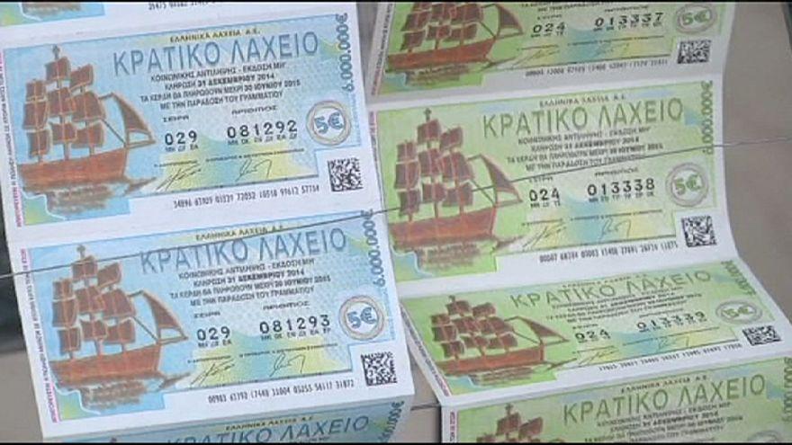 Yunanistan'da yılbaşı piyango biletlerine yoğun ilgi