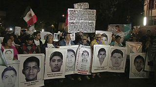 Familiares de estudantes mexicanos desaparecidos pedem justiça