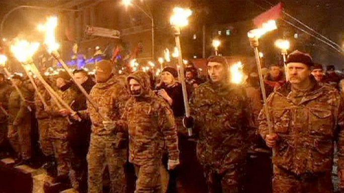 Fáklyákkal vonult át Kijeven az ukrán szélsőjobb