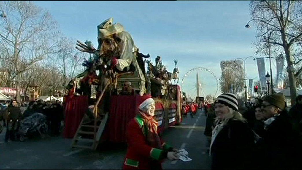 Paris: Tausende bei Neujahrsparade auf den Champs-Elysées