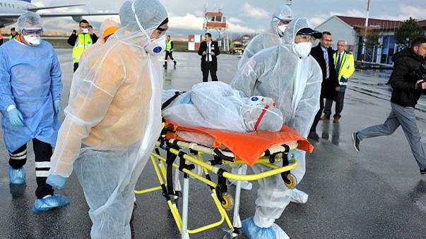 Вирус Эбола не утихает в Западной Африке