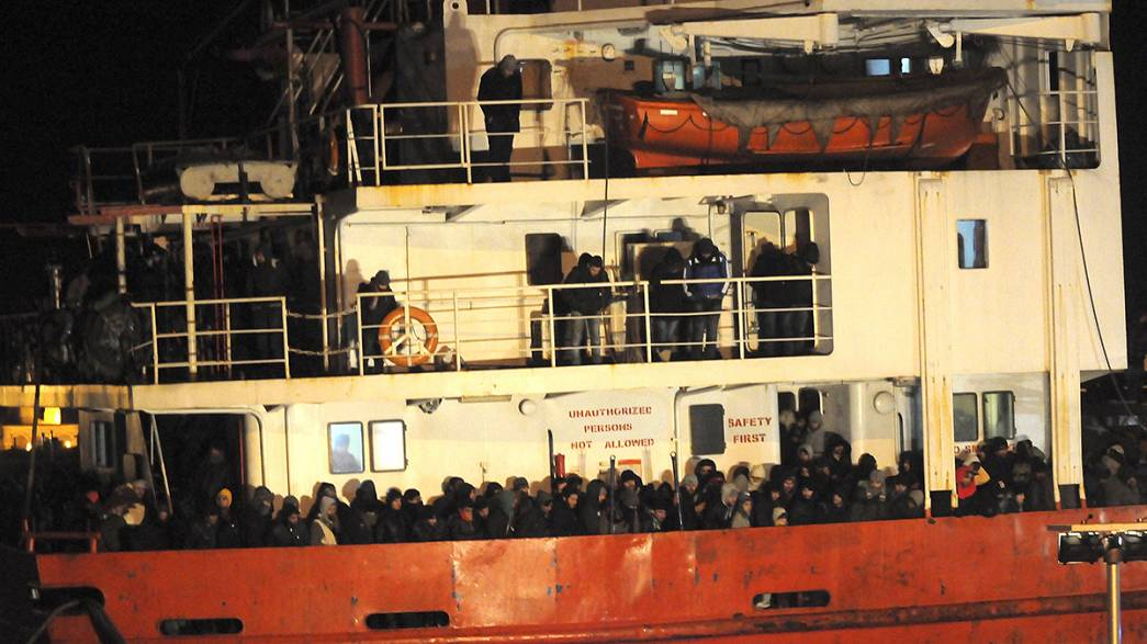 Italy rescues another abandoned migrant ship